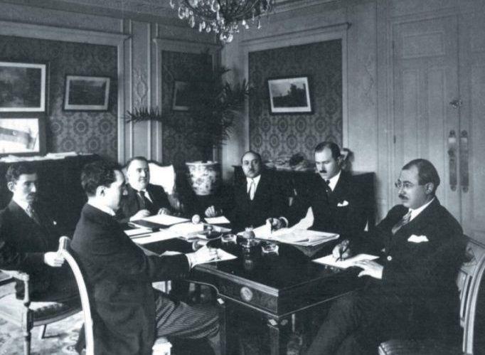 Azerbaijan 1918-1920 Democratic Republic: Islamic World's First Secular Parliamentary