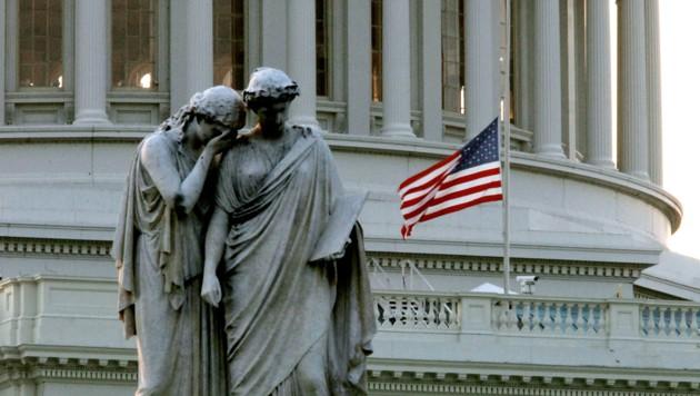Johns-Hopkins-Universität: Über 100.000Corona-Tote in den USA