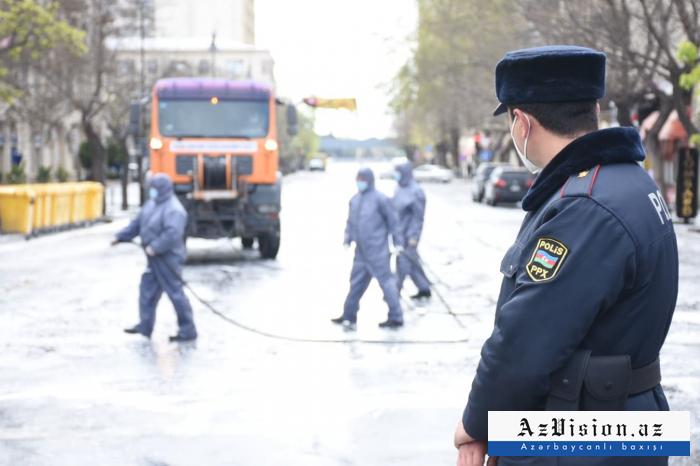 Se llevan a cabo trabajos de desinfección reforzada en unas 300 calles y avenidas principales de Bakú