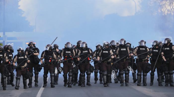 Al menos 25 ciudades de EE.UU. declaran el toque de queda y la Guardia Nacional se moviliza tras otra jornada de disturbios