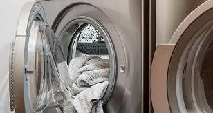 Estos son los errores más comunes que cometes al lavar tu ropa deportiva y de playa