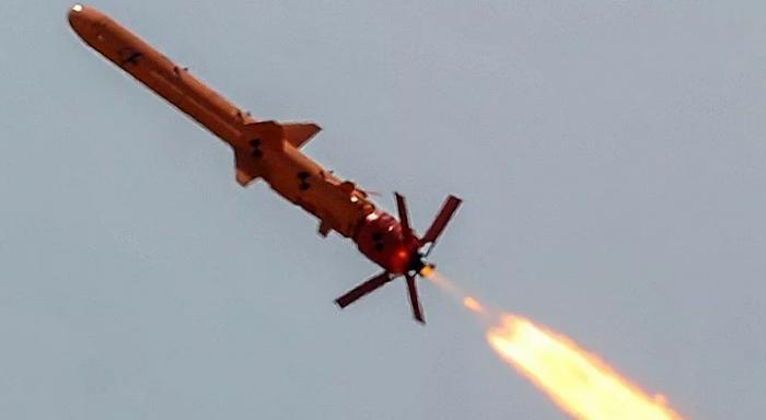 أوكرانيا تختبر نظام صواريخ جديد