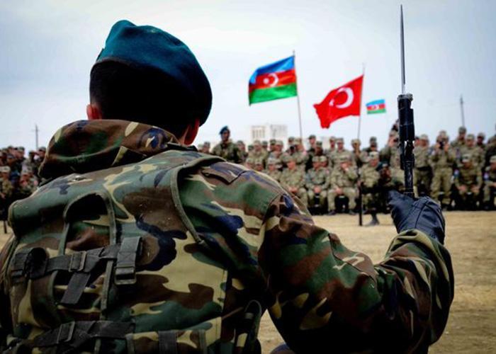 التعاون العسكري الاذربيجاني التركي يزداد قوة