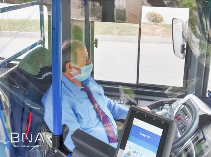 1400-dən çox avtobusda şəffaf arakəsmələr quraşdırılıb