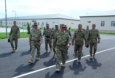 La apertura de las nuevas unidades militares y la inspección de las instalaciones en construcción se llevan a cabo en la zona del frente