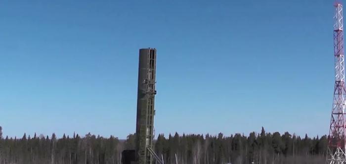 """روسيا تستعد لاختبارات صاروخ """"سارمات"""""""