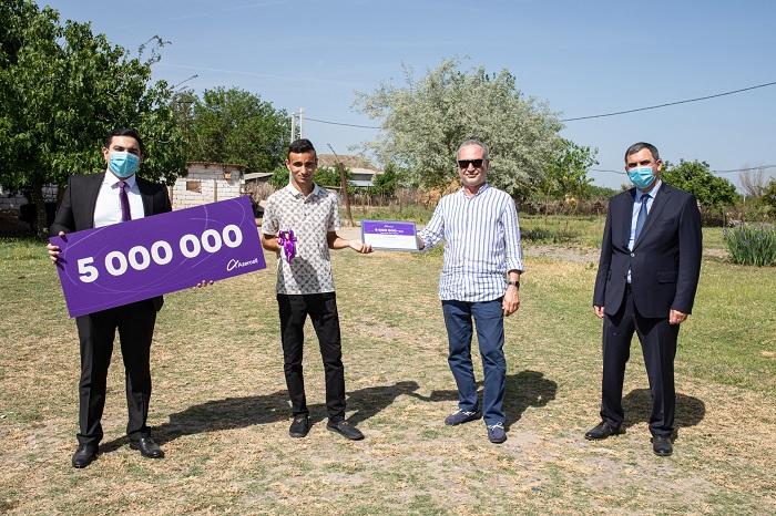 Azercell ailəsi artıq 5 milyon döyünən ürək deməkdir