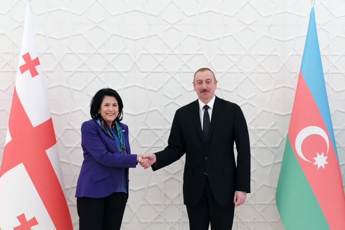 Salomé Zurabishvili felicita al presidente de Azerbaiyán