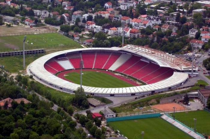 Məşhur stadion xəstəxanaya çevrildi