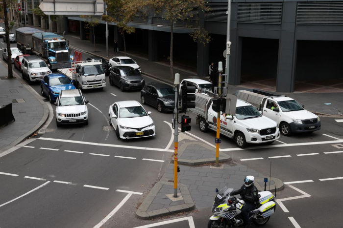 Australians urged to avoid rush hour crush in return to work