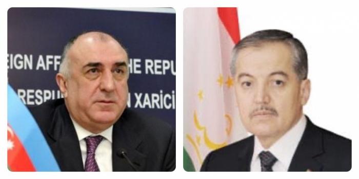 Azerbaijani, Tajik FMs discuss prospects for expanding cooperation over phone