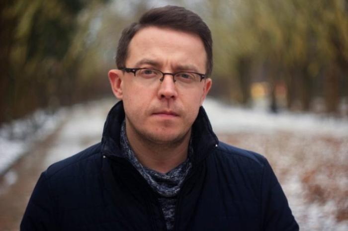 Ukraynalı yazıçı rusdilli həmvətənlərini təhqir etdi
