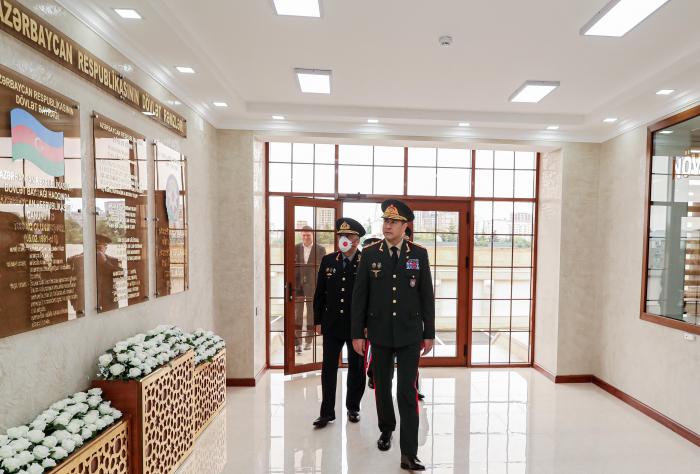 Vilayət Eyvazov inzibati binanın açılışında olub