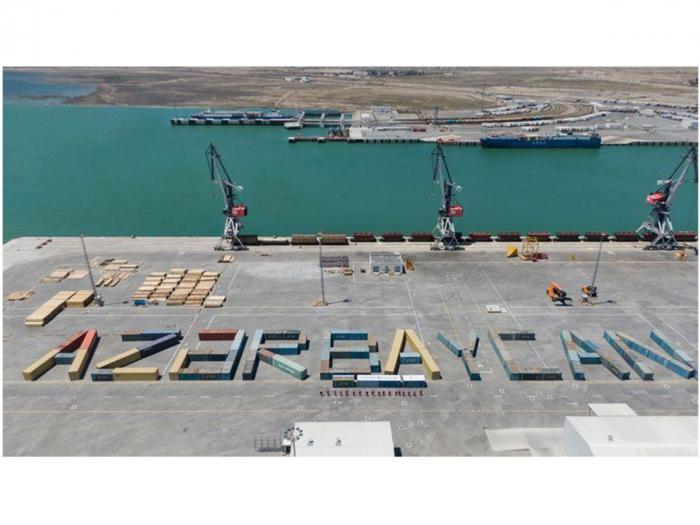 """Konteynerlərlə """"Azərbaycan"""" sözü yazıldı -  FOTOLAR"""