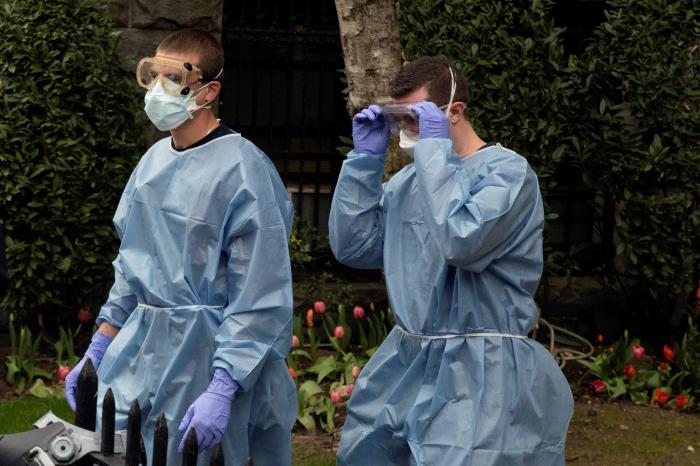 COVID-19 ABŞ-da 72 min insanın həyatına son qoydu