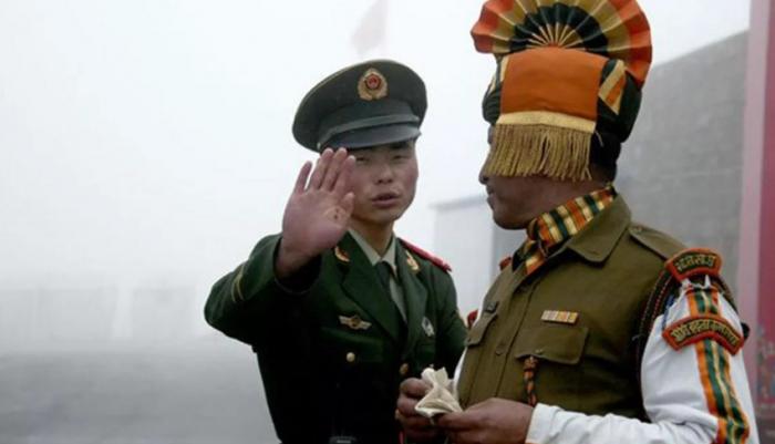 Çin və Hindistan arasında qarşıdurma: 11 əsgər yaralandı