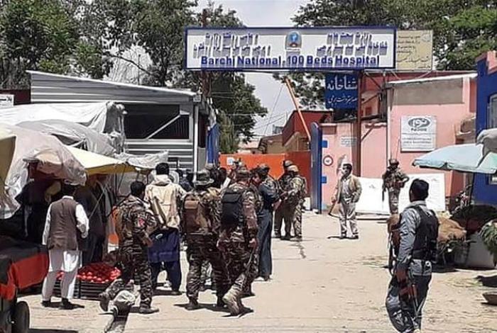 """""""Taliban"""" 7 polisi öldürdü, yaralılar var"""