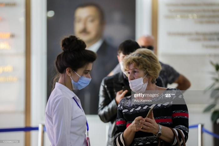 «Getty Images»   publie des photos prises dans les centres de service ASAN