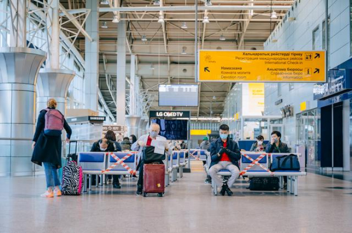 Kazakh airlines resume flights with empty middle seats