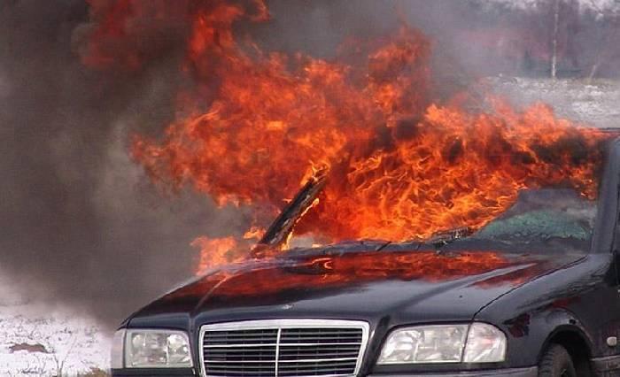 """Ağstafada """"Mercedes"""" yandı"""