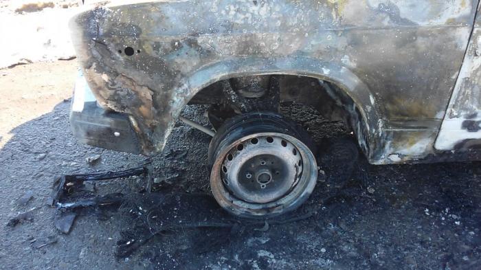 Qubada avtomobil yanıb