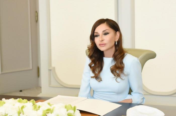 """""""Ölkəmiz tarixi qələbəyə mühüm töhfələr verib"""" - Mehriban Əliyeva"""