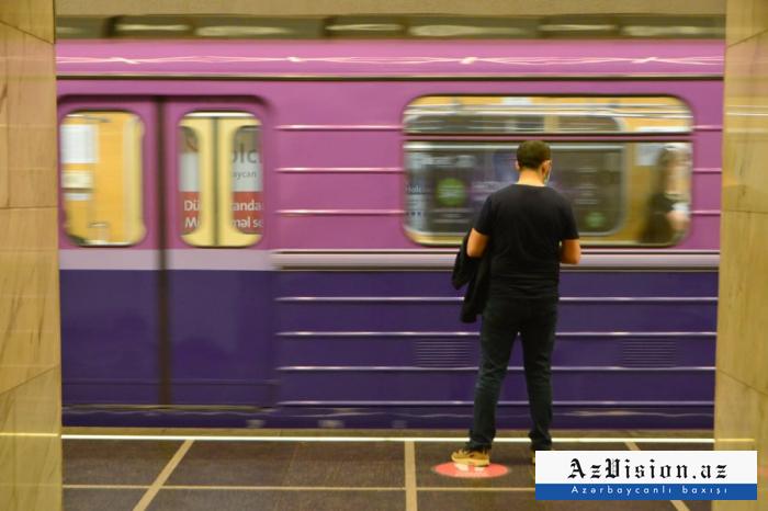 Metroya maskasız girən oğlan həbs edildi