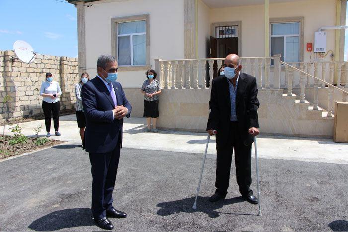 Prezidentin göstərişi ilə Qarabağ əlilinə ev verildi