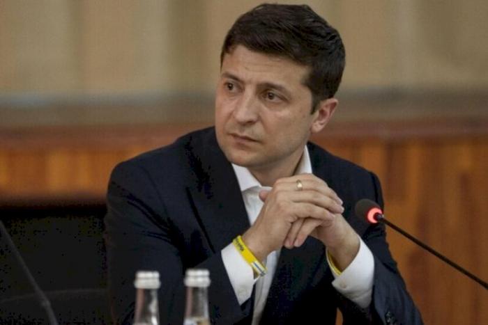 Zelenski Rusiyanın sosial şəbəkələrinə qarşı sanksiyaları uzatdı