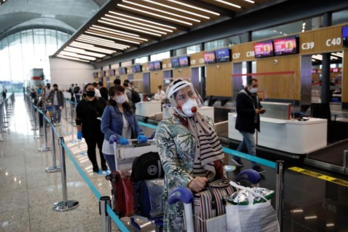 Turkey eases coronavirus measures, re-opens restaurants, parks