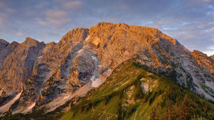 Bergwanderer stürzt 80 Meter in den Tod