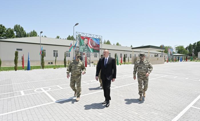 Präsident Ilham Aliyev besucht Militäreinheit in Aghdam