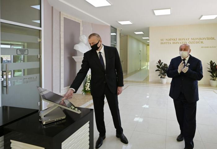 Aserbaidschanischer Präsident nimmt an der Zeremonie zur Einführung von Trinkwasserversorgungs- und Abwassersystemen in Aghjabadi teil