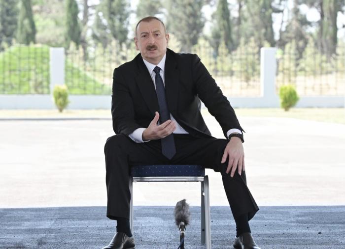 """""""Onların generalları oğru, rəhbərləri rüşvətxordur"""" -  Prezident"""