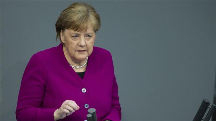 Merkel:   El racismo es un problema no sólo en EEUU, también en Alemania