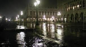 Venecia vuelve a enfrentarse con la marea alta