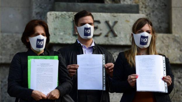 Coronavirus: Italy prosecutors to quiz PM Conte on crisis
