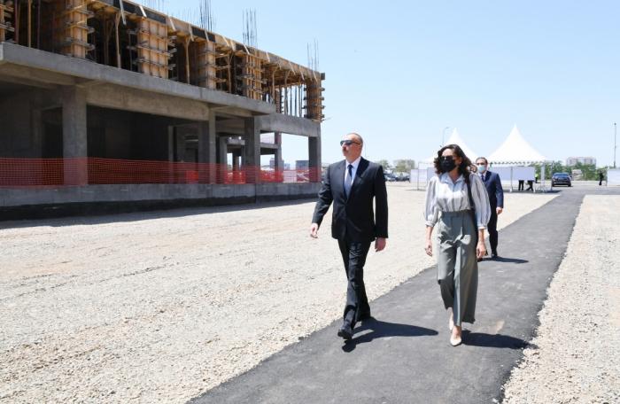 Prezident MİDA-nın yaşayış kompleksinin tikintisi ilə tanış oldu -  FOTOLAR (YENİLƏNİB)