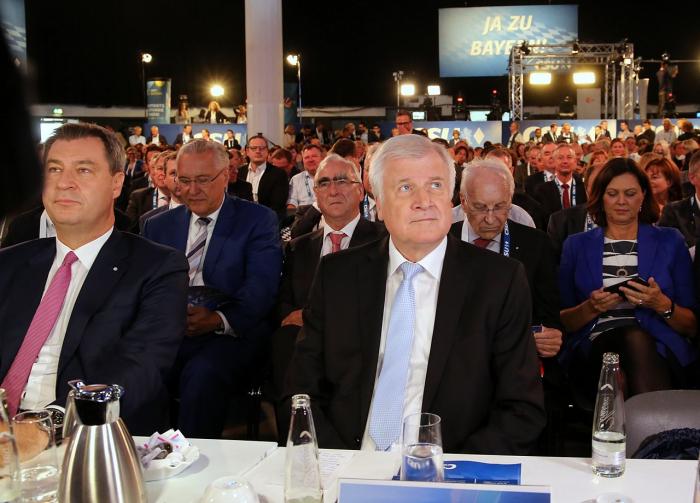 """Seehofer verrät """"Hauptziel"""" hinter Anzeigendrohung gegen taz-Autorin"""