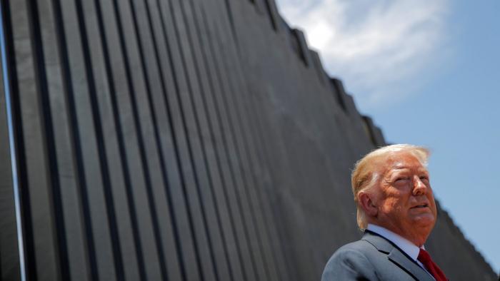 Un tribunal dictamina que Trump no podía usar recursos militares para el muro fronterizo