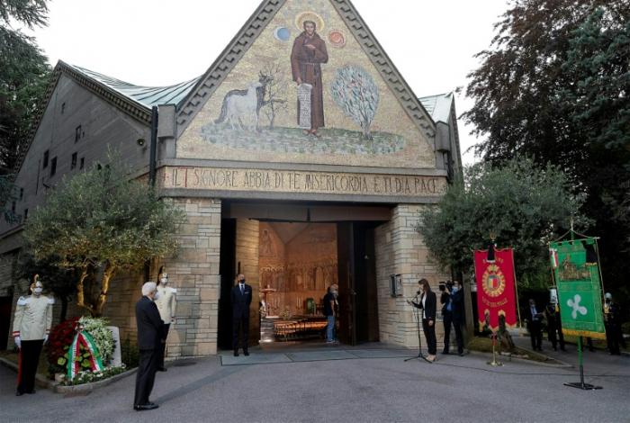 Gedenken an Corona-Opfer bei Zeremonie in Bergamo