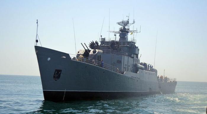 Se realizan los simulacros de tiro de combate en el mar Caspio-  Video