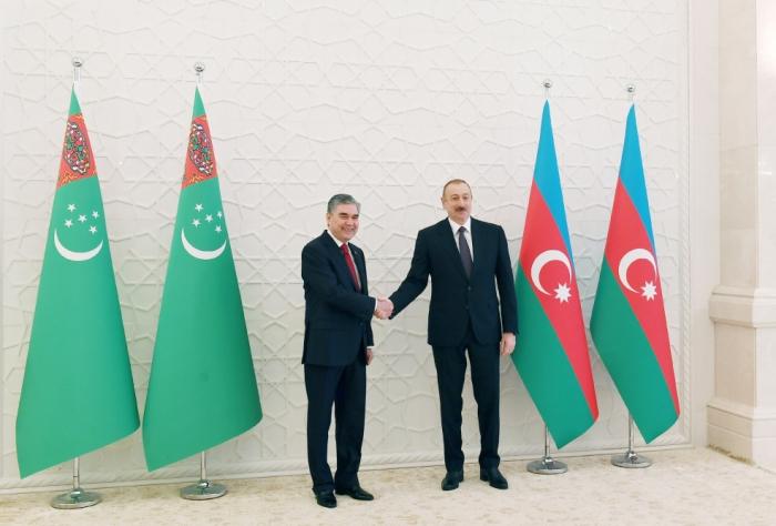 Aserbaidschanischer Präsident telefoniert mit dem turkmenischen Amtskollegen