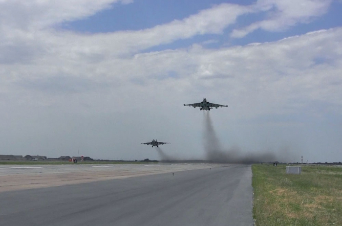 Azerbaijan Air Force aircraft conducts live-fire flight-tactical exercises - VIDEO