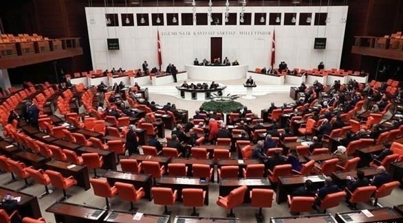 البرلمان التركي يسقط عضوية 3 نواب بتهمة الانتماء للعمال الكردستاني