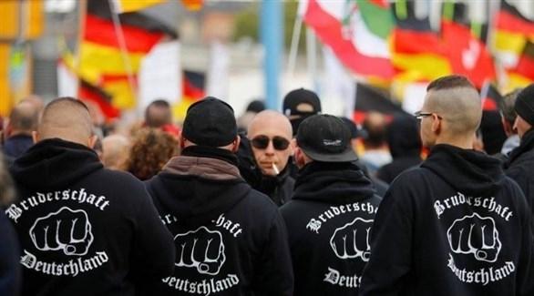تقرير: معسكرات روسية تدرب متطرفين يمينيين ألمان