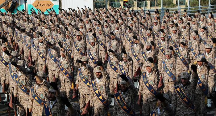 """""""لدينا معلومات دقيقة""""... الحرس الثوري الإيراني يكشف عن تحرك أمريكي واسع"""