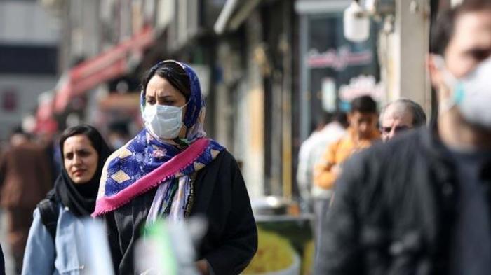 İranda maska taxmaq məcburi oldu