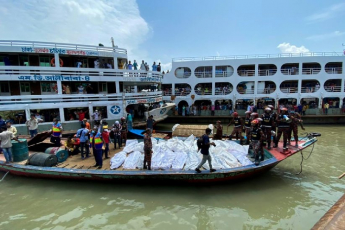 Bangladesh: au moins 30 morts dans le naufrage d