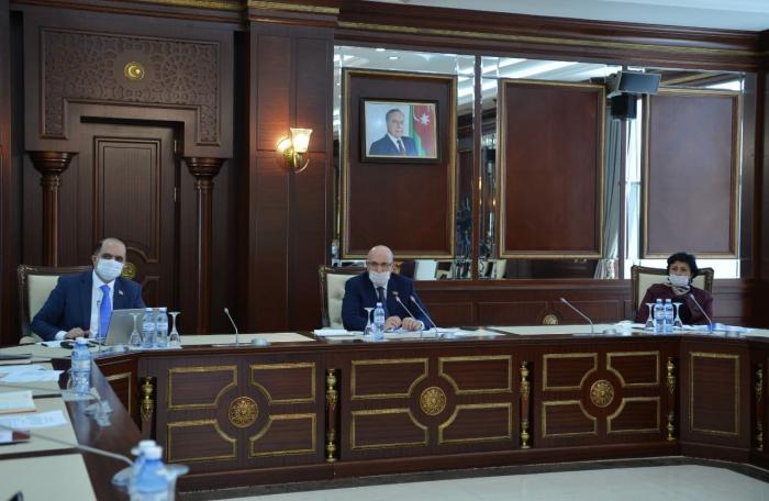 3 qanun layihəsi plenar iclasa tövsiyə edildi